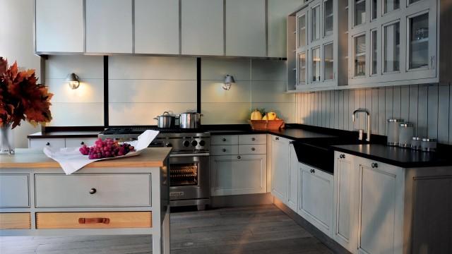 Simplicité et élégance pour une cuisine classique emprunte d'un grand dynamisme