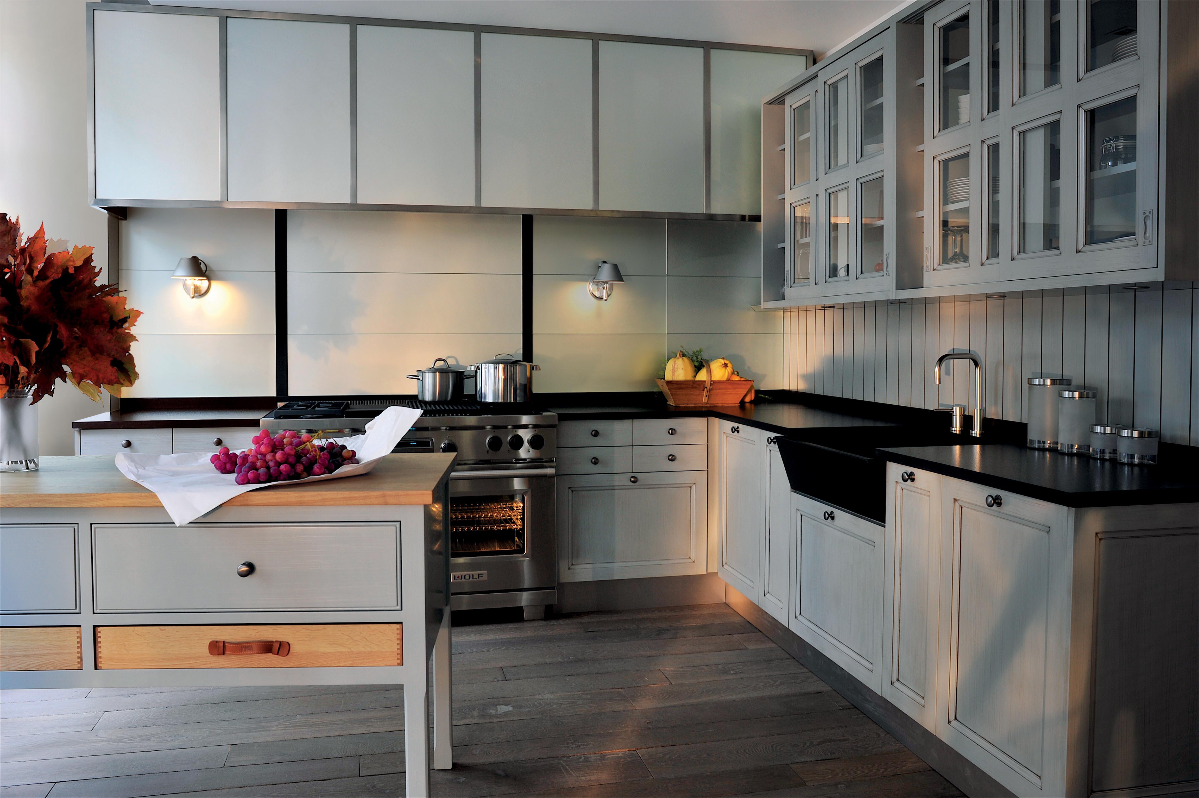 Simplicit et l gance pour une cuisine classique emprunte for Atelier de cuisine montpellier