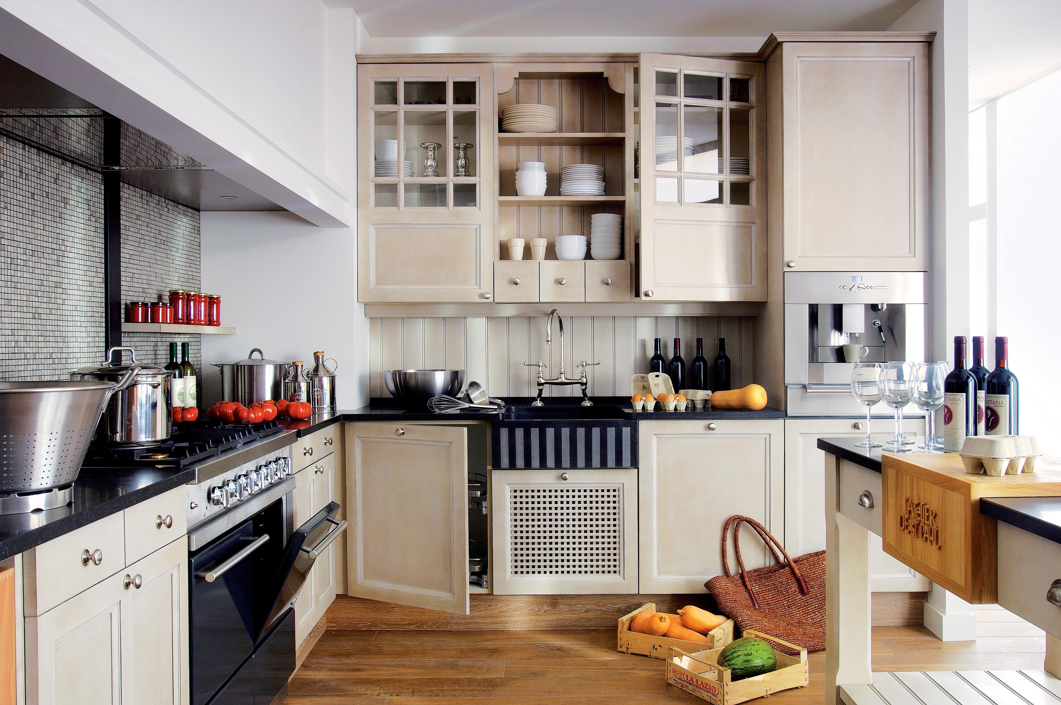 Cuisine d 39 b nisterie avec un travail artisanal sur mesure - Projet atelier cuisine ...