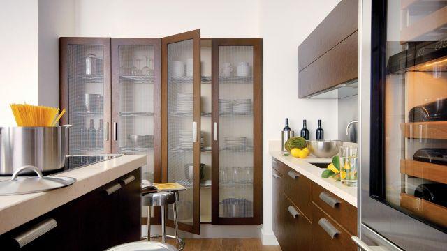Effet métallique et profondeur des textures, pour une cuisine audacieuse