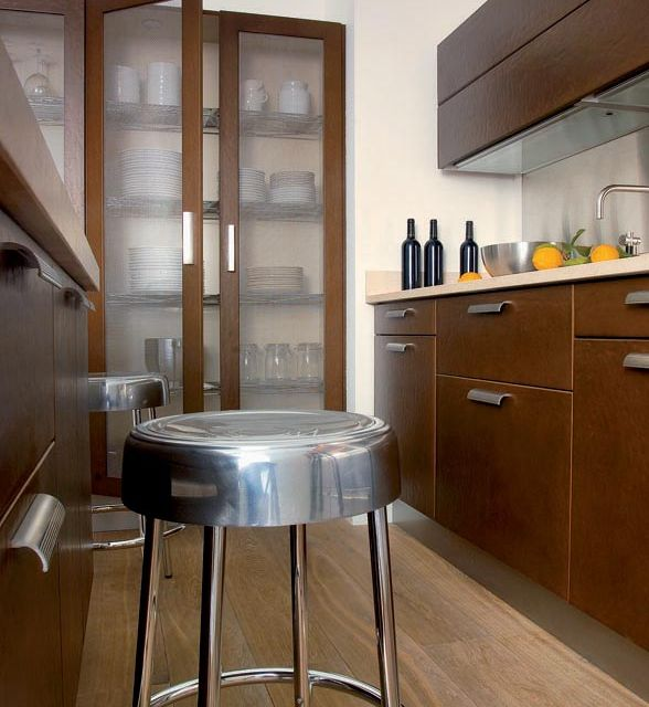 A bold kitchen with cool metallic elements and robust textures - 2