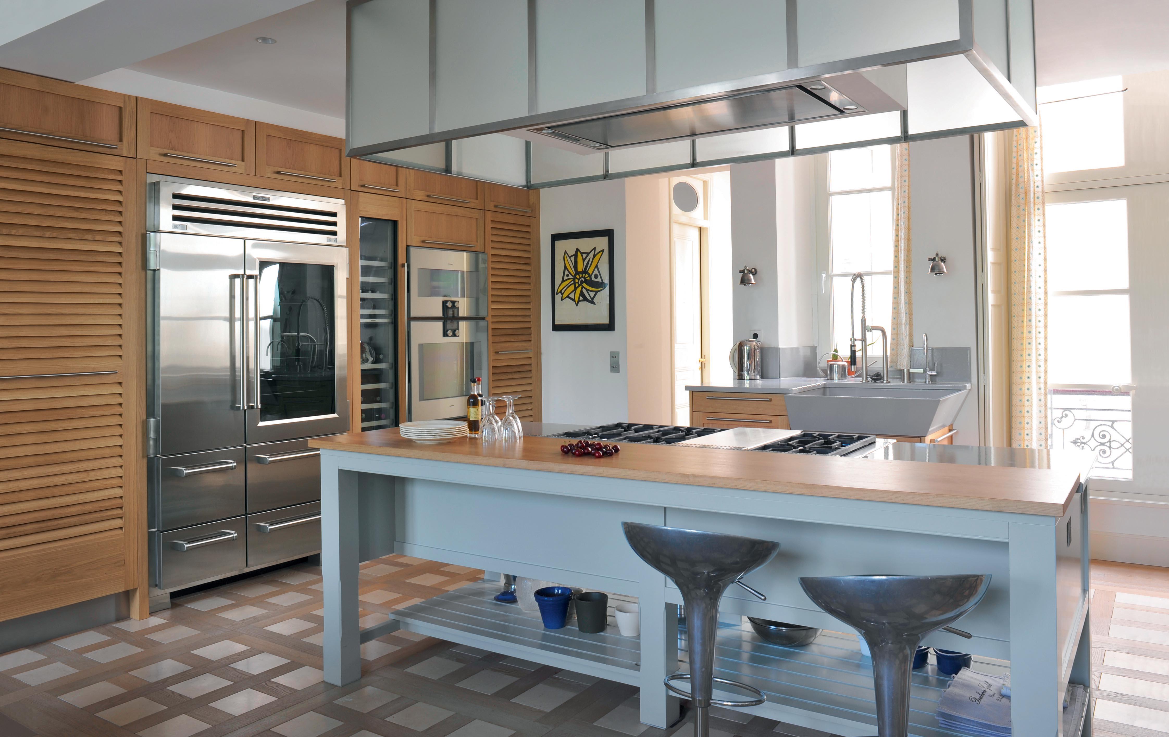 cuisine classique associant ch ne naturel et bois laqu lot majestueux atelier de saint paul. Black Bedroom Furniture Sets. Home Design Ideas