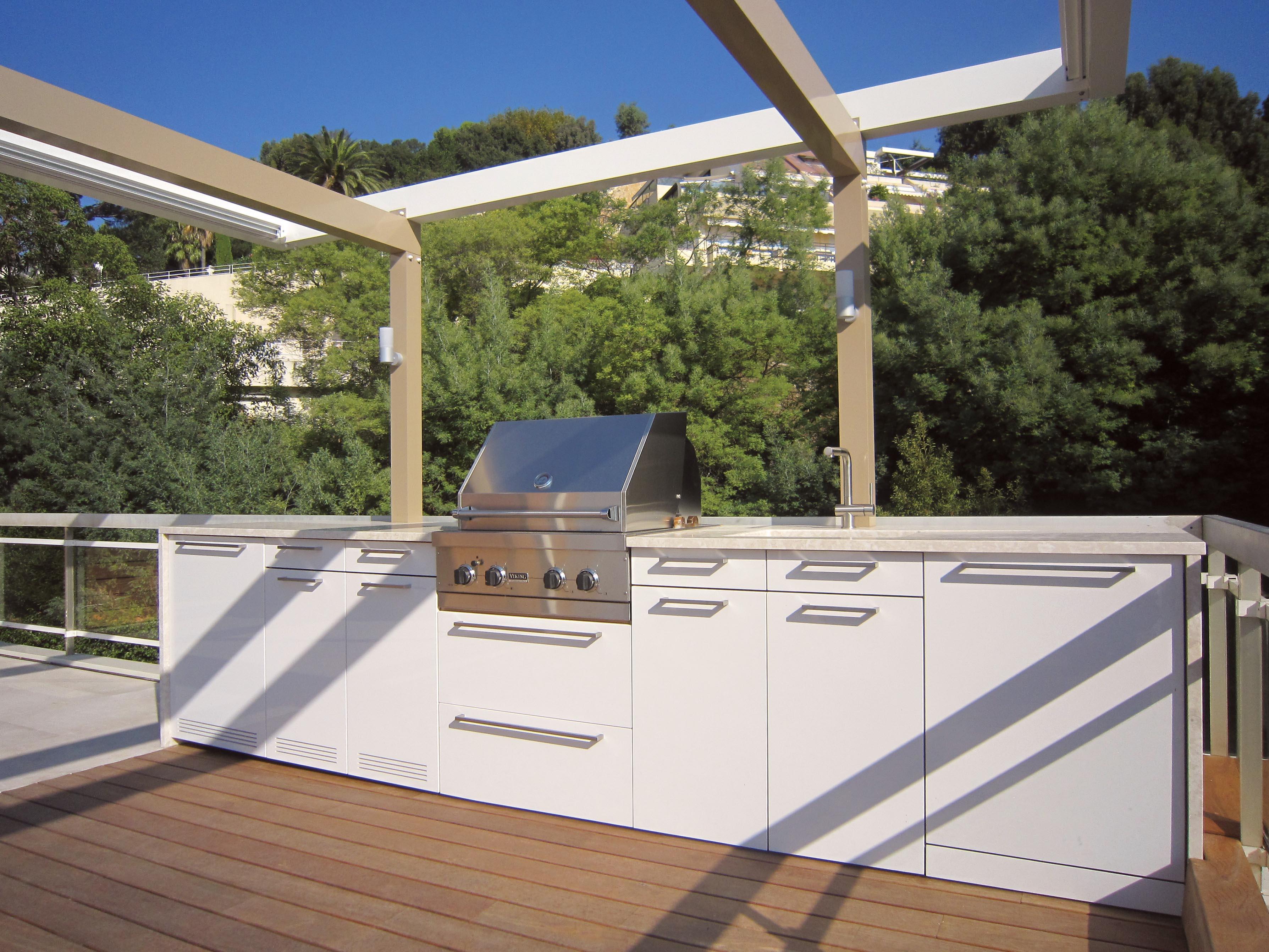 pool house sur mesure au design contemporain atelier de saint paul. Black Bedroom Furniture Sets. Home Design Ideas