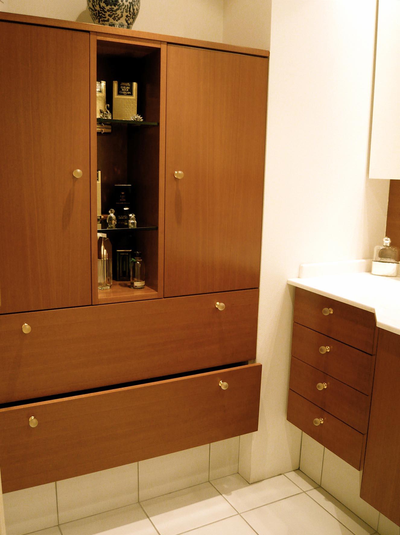 salle de bain sur mesure atelier de saint paul. Black Bedroom Furniture Sets. Home Design Ideas