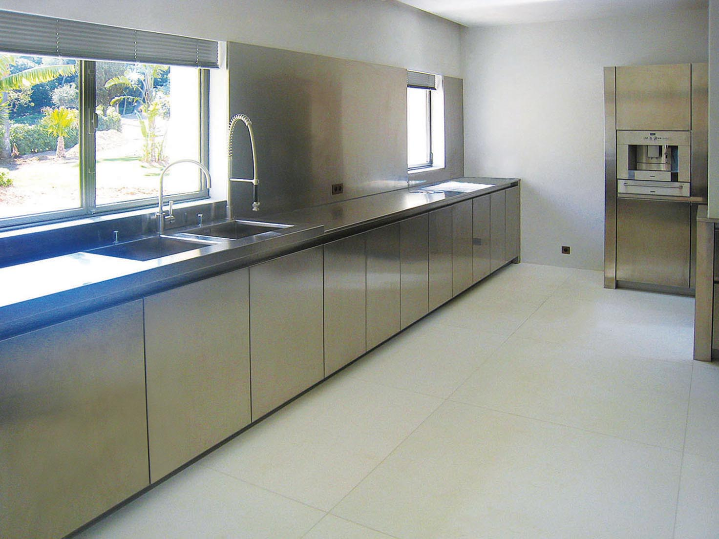 Exclusive professional kitchens for private residences