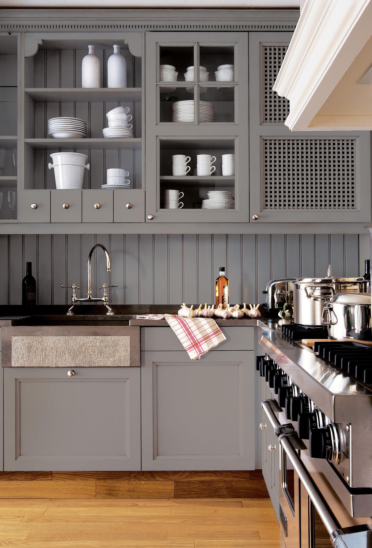 custom built kitchen with exclusive lacquer finishes atelier de saint paul. Black Bedroom Furniture Sets. Home Design Ideas