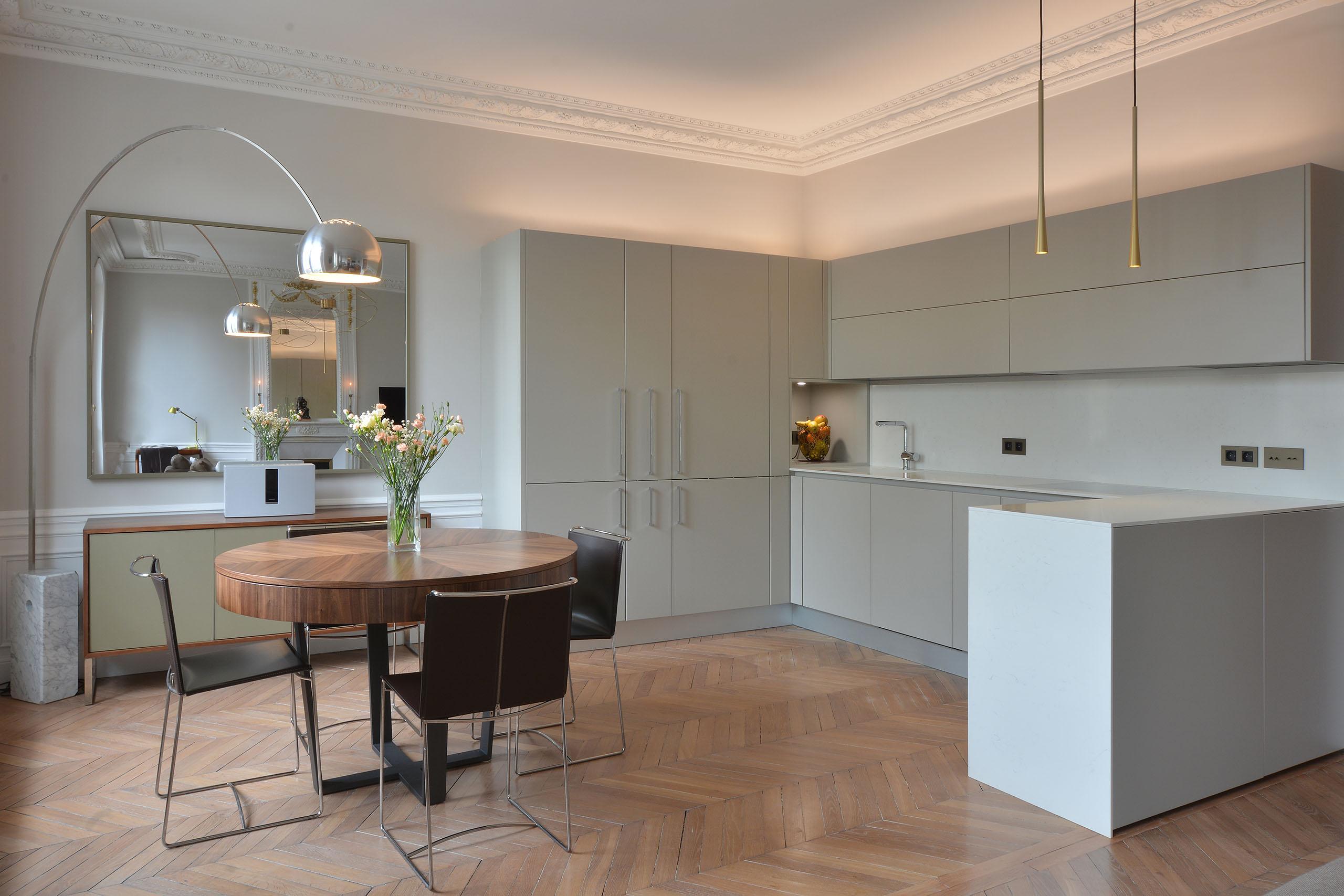 el gance et modernit la fran aise atelier de saint paul. Black Bedroom Furniture Sets. Home Design Ideas