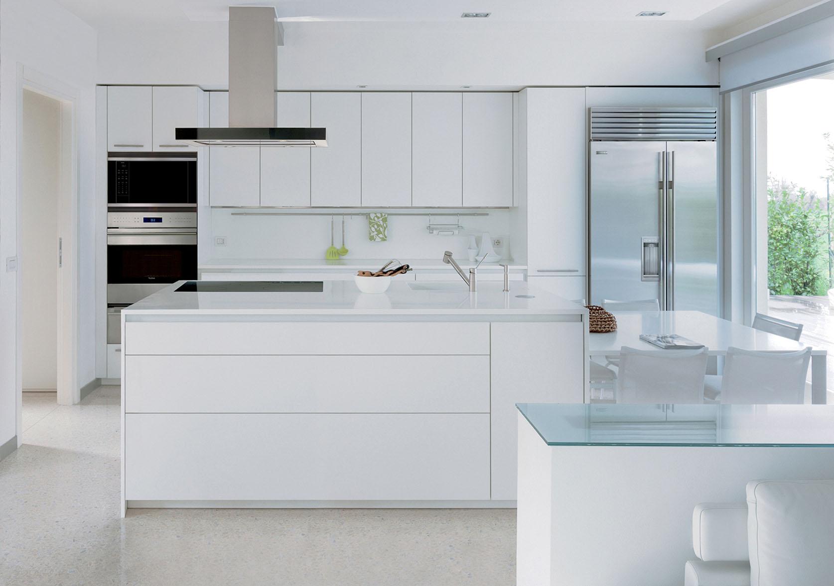 Simplicité d'un design à la blancheur immaculée.