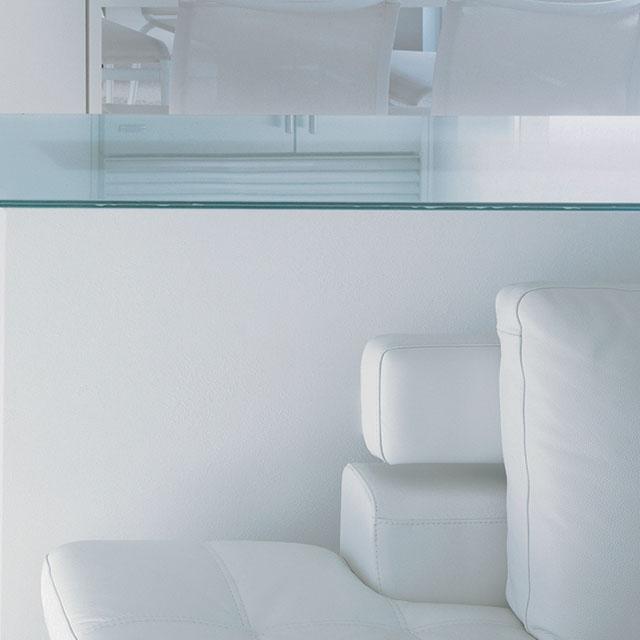 Simplicité d'un design à la blancheur immaculée. - 4