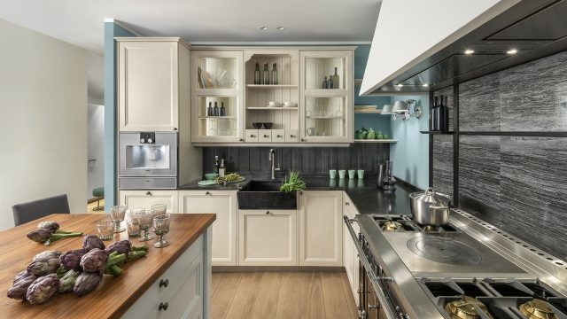A dash of modernity for a classic kitchen